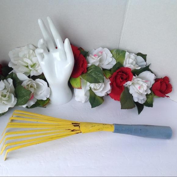 Vtg Garden Rake Hand Tool Metal Plastic